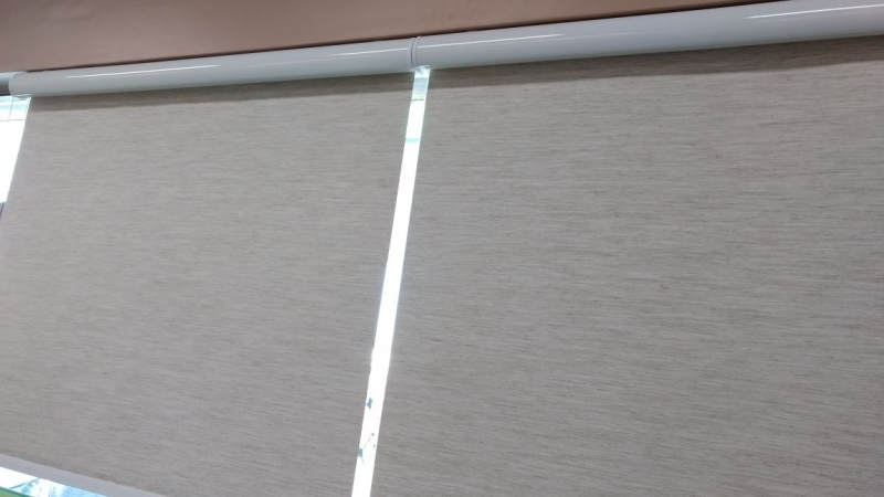 Cortinas Rolo Blecaute Vila Andrade - Cortina Rolo com Trilho Deslizante