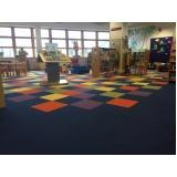 carpete em placas instalação