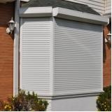 cortina rolô para área externa