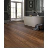 instalação de piso vinílico de madeira