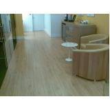instalação de piso vinílico em régua