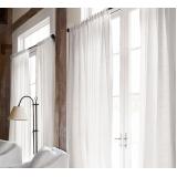 lavagem de cortinas de linho